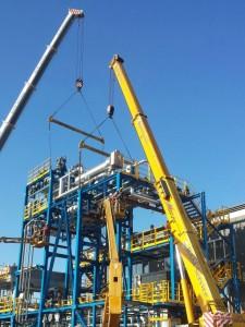 Noleggio gru per montaggio grandi impianti (foto 1)