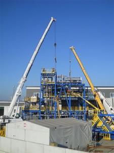 Noleggio gru per montaggio grandi impianti (foto 3)