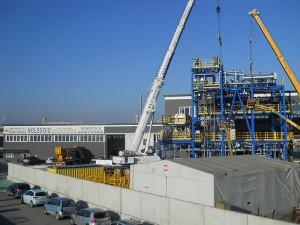 Noleggio gru per montaggio grandi impianti (foto 6)