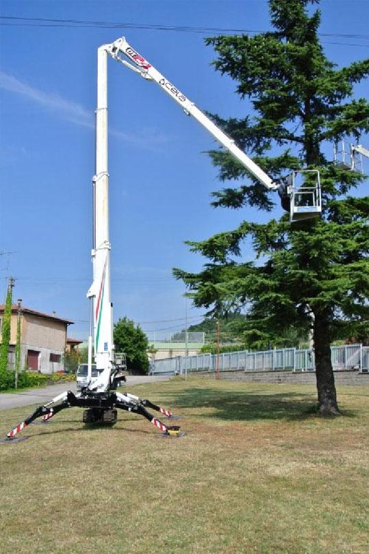 Noleggio piattaforme aeree a ragno fino a 28 metri di altezza