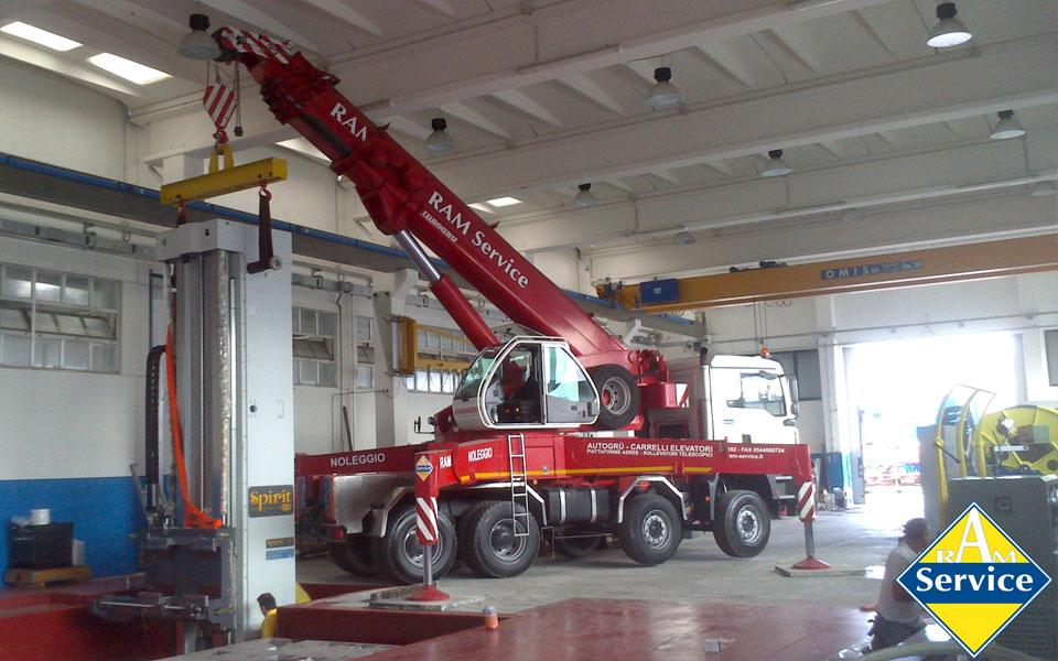 Noleggio di noleggio di autogru montate su camion