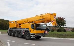 Noleggio autogru multistrada con portata 130 ton. - fino a 60 metri di altezza