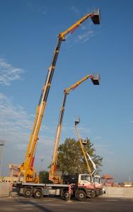 Noleggio piattaforme aeree fino a 56 metri di altezza montate su autocarro