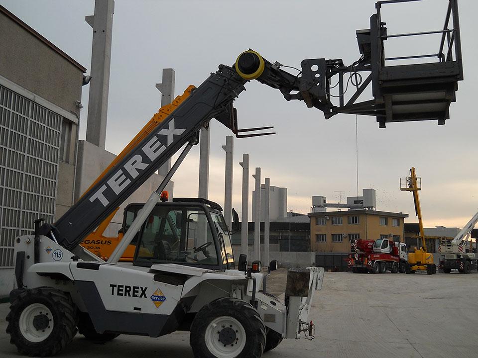 Vendita sollevatore telescopico usato Mod. Terex 30.13 TELELIFT