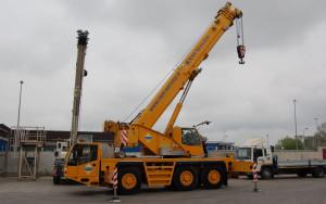 Noleggio autogru con portata fino a 50 ton. - 40 metri di altezza max