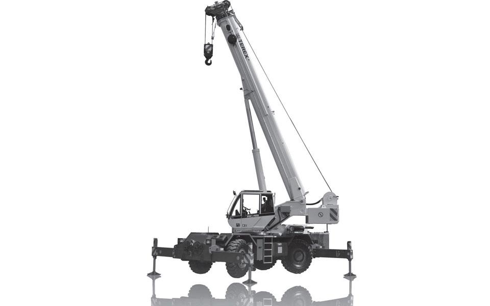 Noleggio autogru fuoristrada con portata fino a 42 tonn e 27,5 metri di altezza